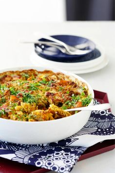 Juures-broileri-riisivuoka   Maku Quiche, Risotto, Chicken Recipes, Food And Drink, Cooking Recipes, Breakfast, Ethnic Recipes, Koti, Henna