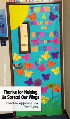 Need some great ideas for Teacher Appreciation Door decorating? I've collected 25 fantastic Teacher Appreciation Door Ideas to share with you. Teacher Appreciation Week, Teacher Gifts, Teacher Treats, Teacher Door Decorations, Teacher Doors, School Doors, Classroom Door, Classroom Teacher, School Teacher