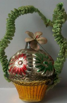 x-mas Antique Christmas, Vintage Christmas Ornaments, Christmas Bulbs, Feather Tree, Easter, Antiques, Holiday Decor, Antiquities, Antique