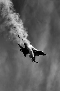 jet fighter http://universeofchaos.tumblr.com/