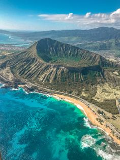 Hawaii Helicopter Tour with Paradise Helicopters | the navy blonde