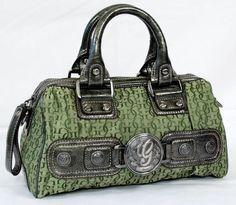 Guess Purse ~ I am in love Guess Handbags, New Handbags, Handbags Online, Luxury Handbags, Purses And Handbags, Cheap Purses, Cute Purses, Popular Purses, Guess Purses