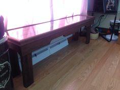 table de fenêtre pour chat Entryway Tables, Desk, Furniture, Home Decor, Table Desk, Interior Design, Offices, Home Interior Design, Table