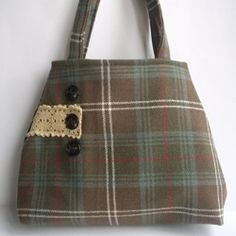 I'm loving the details - Vintage tartan handbag made from vintage tartan rescued from charity shop and given a new lease of life! Diy Tote Bag, Tote Purse, Purse Wallet, Tote Handbags, Tartan Crafts, Boho Bags, How To Make Handbags, Handmade Shop, Couture