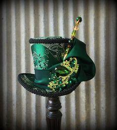 Mini Top Hat Kentucky Derby Hat Emerald Green STeampunk mini