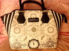 Cinderella Carriage purse from Hot Topic for the new Cinderella Live action movie 2015.
