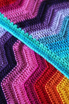 The rippling rainbow blanket is truly a play of colours! The ripples are soothing and relaxing to crochet, while the different colours provide the blanket with a big splash of colour. I chose to work this blanket with cotton, which has great stitch definition. This way, you can see the texture of the ripples even …