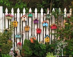 69 People Who Took Their Backyard Fences To Another Level : Bird House Fence Decor Yard Art, White Picket Fence, White Fence, Black Fence, Picket Fence Garden, Garden Fence Art, Decorative Garden Fencing, Garden Netting, Picket Fences