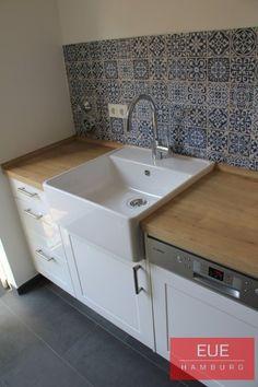 Ceramic sink single basin - Home Page Farm Sink Kitchen, Kitchen Worktop, Kitchen Flooring, Kitchen And Bath, New Kitchen, Vintage Kitchen, Meme Design, Küchen Design, Kitchen World