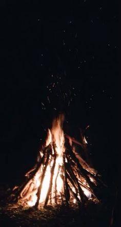 Pin by kate c. on vsco. Sky Aesthetic, Summer Aesthetic, Aesthetic Videos, Aesthetic Photo, Camping Photography, Tumblr Photography, Nature Photography, Photography Ideas, Festival Photography