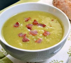 Split Pea, Bacon & Potato Soup - delicious, try just keeping 1 Tbs bacon grease in the pan or something. Definitely remove bacon and use it as a topping instead of cooking with the soup. Bacon Potato, Potato Soup, Bacon Soup, Moussaka, Cooking Chef, Cooking Recipes, Cooking Kale, Cooking Bacon, Budget Recipes