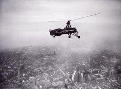 Efemérides de Madrid. 16 de febrero.  1934.- El autogiro de Juan de la Cierva sobrevuela Madrid pilotado por él mismo.