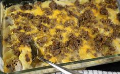 Hamburger Potato Casserole Recipe Main Dishes with lean ground beef, sliced… Hamburger Potato Casserole, Hamburger And Potatoes, Potatoe Casserole Recipes, Hamburger Recipes, Ground Beef Recipes, Casserole Dishes, Pizza Casserole, Chicken Casserole, Chicken Recipes