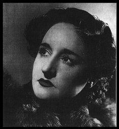 """Maruja Mallo (Viveiro, Lugo, 1902- Madrid 1995). En la Real Academia de Bellas Artes de San Fernando (Madrid), conoció a Dalí, adentrandola en el surrealismo y la Generación del 27. Ilustró obras de Alberti. Conoció a Ortega y Gasset (1927), participó en la """"Rev. de Occidente"""".  En París coincidió con André Bretón. Se exilió a Argentina. Su obra más importante fue: """"El canto de la espiga""""(1939).   Volvió a España en los años 60.  Fue divertida, poco convencional, amante de la vida y la…"""