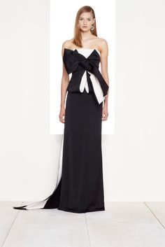 Donna Karan Resort 2016 - Collection - Gallery - Style.com  http://www.style.com/slideshows/fashion-shows/resort-2016/donna-karan/collection/32