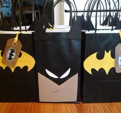 Party Favors for your Guests CottnLove - Batman Party - Ideas of Batman Party - Batman goodie bags Más Lego Batman Party, Lego Batman Birthday, Superhero Birthday Party, 4th Birthday Parties, Boy Birthday, Baby Batman, Batman Vs, Avenger Party, Batman Party Supplies