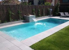 Great Example Of A Courtyard Swimming Pool Design This Pool Also Has An Automatic Pool Cover