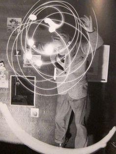 Bruno Munari, Drawing with light, 1950