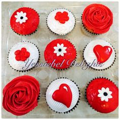 Red and white cupcakes White Cupcakes, Red And White, Desserts, Food, Egg White Cookies, Tailgate Desserts, Deserts, Essen, Postres