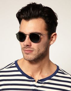 Ray-Ban Round Sounglasses