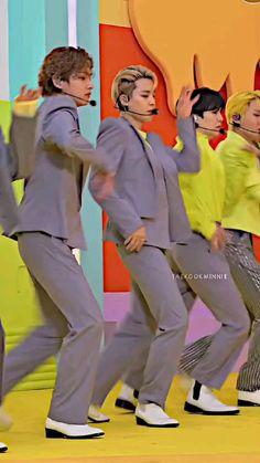 Taekook, Jungkook Cute, Jungkook Songs, Ronald Mcdonald, Bts Playlist, Bts Chibi, Bts Korea, V Taehyung, Bts Video