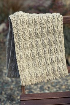 Free Pattern: Reedgrass Cowl by Ann-Marie Jackson