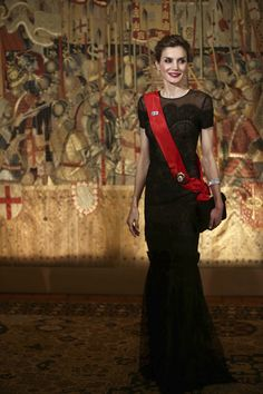 King Felipe and Queen Letizia of Spain and Portuguese President Marcelo Rebelo de Sousa attend a gala dinner at the Palace of the Dukes of Braganza on November 28, 2016 in Guimarães, Portugal.
