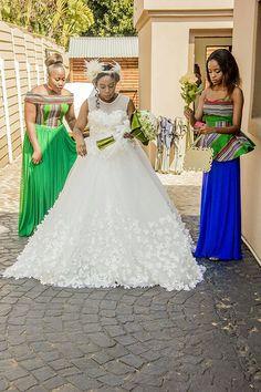 Girls Dresses, Flower Girl Dresses, Wedding Ideas, Wedding Dresses, Flowers, Fashion, Dresses Of Girls, Bride Dresses, Moda