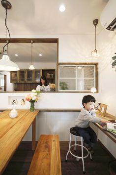 吹き抜けのあるカフェのようなお家