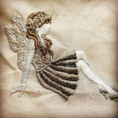 妖精の刺繍
