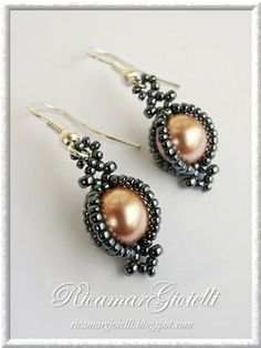 Beaded Earrings Caged pearls Ricamar Gioielli: TUTORIAL Orecchini Cit    Technically crafty, however, these are so cute that I would buy an outfit just to match them haha