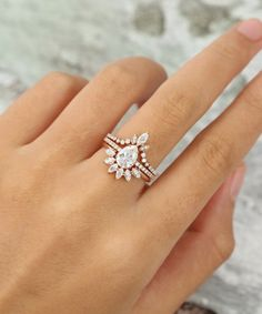 Moissanite engagement ring set vintage Pear shaped Unique Rose Gold Marquise cut wedding rings for women Bridal Promise Anniversary gift Engagement Ring Shapes, Dream Engagement Rings, Engagement Ring Settings, Vintage Engagement Rings, Designer Engagement Rings, Curved Wedding Band, Elegant Wedding Rings, Boho Wedding Ring, Dream Wedding