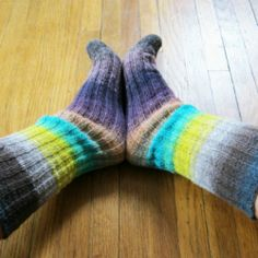 An easy pattern for knitting socks - now you can knit straight through the heel and not even think about it!