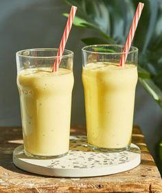 Mangó lassi - reggelire perfekt! | Street Kitchen Mango Lassi, Naan, Cheddar, Smoothie, Pudding, Desserts, Food, Caramel, Tailgate Desserts