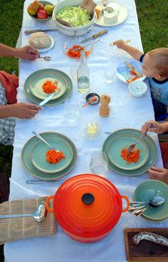 Detailed guide to having French-style four-course meals a la Bringing Up Bebe, for raising toddlers who don't just subsist on cheese sticks.