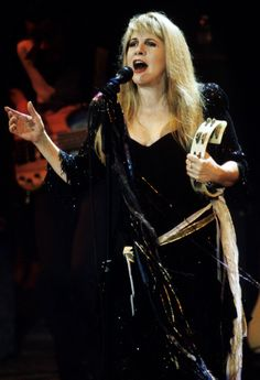 Stevie Nicks Opens Up On Cocaine Use And Her Affair With Mick Fleetwood (VIDEO)