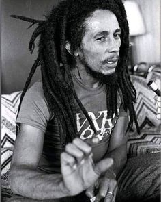 68 Ideas music quotes bob marley legends for 2019 Bob Marley Citation, Bob Marley Quotes, Bob Marley Legend, Reggae Bob Marley, Stephen Marley, Damian Marley, Bruce Lee, Eminem, Bob Marley Pictures