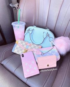 Cute Acrylic Nail Designs, Cute Acrylic Nails, Luxury Purses, Luxury Bags, Pink Wallpaper Girly, Baby Pink Aesthetic, Everything Pink, Girl Swag, Cute Bags