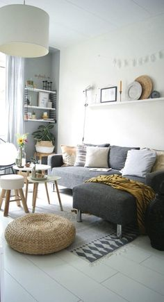 50 Living Room Designs for Small Spaces Small Living Room Design, Small Living Rooms, My Living Room, Home And Living, Living Room Designs, Living Room Decor, Apartment Makeover, Beautiful Living Rooms, Home And Deco