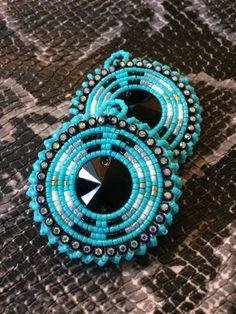 Beaded Earrings Native, Beaded Earrings Patterns, Seed Bead Earrings, Beaded Bracelets, Native American Beadwork, Native American Jewelry, Beadwork Designs, Earring Tutorial, Jewelry Making