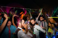 The best wedding closer, glow sticks and Calvin Harris at Irvine Nature Center on United with Love by Juliana Laury Photography   http://www.unitedwithlove.com/2015/08/11/nature-center-wedding-maryland/