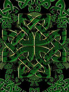 Os Povos Celtas          Em cerca de 700 a.C. um grupo de tribos, os Celtas, começou a habitar a Europa Central. Em 500 a.C., haviam-se estabelecido como agricultores pela Europa  Central e Noroeste.  As famílias celtas viviam no seio da tribo, em pequenas   cabanas   construídas em colinas-fortaleza, para   se defenderem dos   frequentes ataques de outras tribos.