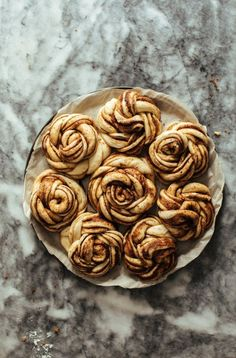 10 Most Misleading Foods That We Imagined Were Being Nutritious! Espresso Cinnamon Buns Stems and Forks Köstliche Desserts, Dessert Recipes, Recipes Dinner, Simple Muffin Recipe, Ground Beef Recipes, Sweet Bread, Cinnamon Rolls, Cinnamon Bun Recipe, Cooking Recipes