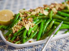 Green Beans with Potato Chip Crunch Recipe from Molly Yeh of Girl Meets Farm Lemon Green Beans, Green Beans And Potatoes, Side Dish Recipes, Vegetable Recipes, Dinner Recipes, Dinner Ideas, Vegetable Sides, Vegetable Side Dishes, Crushed Potatoes