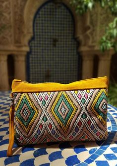 Moroccan Vintage Kilim & Suede Beautifull Clutch made of kilim and suede