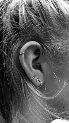 Latest Photos cute Cartilage Piercings Suggestions If a common piercing is not . - Latest Photos cute Cartilage Piercings Suggestions If a common piercing is not ample, if you want - Daith Piercing, Ear Lobe Piercings, Smiley Piercing, Tattoo Und Piercing, Cute Piercings, Tragus, Cool Peircings, Helix Piercing Jewelry, Helix Ring