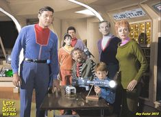 Lost in Space Space Tv Series, Space Tv Shows, Classic Series, Classic Tv, My Favorite Image, Favorite Tv Shows, Lost In Space Cast, Danger Will Robinson, Logan's Run