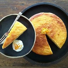 This delicious, healthy Sugar Free Mandarin Macadamia Cake is simple to make, tastes divine and the flavors go amazingly well together. Low Carb Desserts, Low Carb Recipes, Dessert Recipes, Dessert Ideas, Paleo Recipes, Mandarin Cake, Low Fat Cake, Orange And Almond Cake, Healthy Sugar