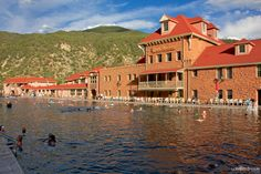 Glenwood Springs, Colorado - Perfect Family Destination