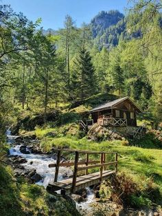 Beautiful World, Beautiful Places, Beautiful Pictures, Landscape Photography, Nature Photography, Natural Architecture, Secluded Cabin, Dame Nature, Getaway Cabins